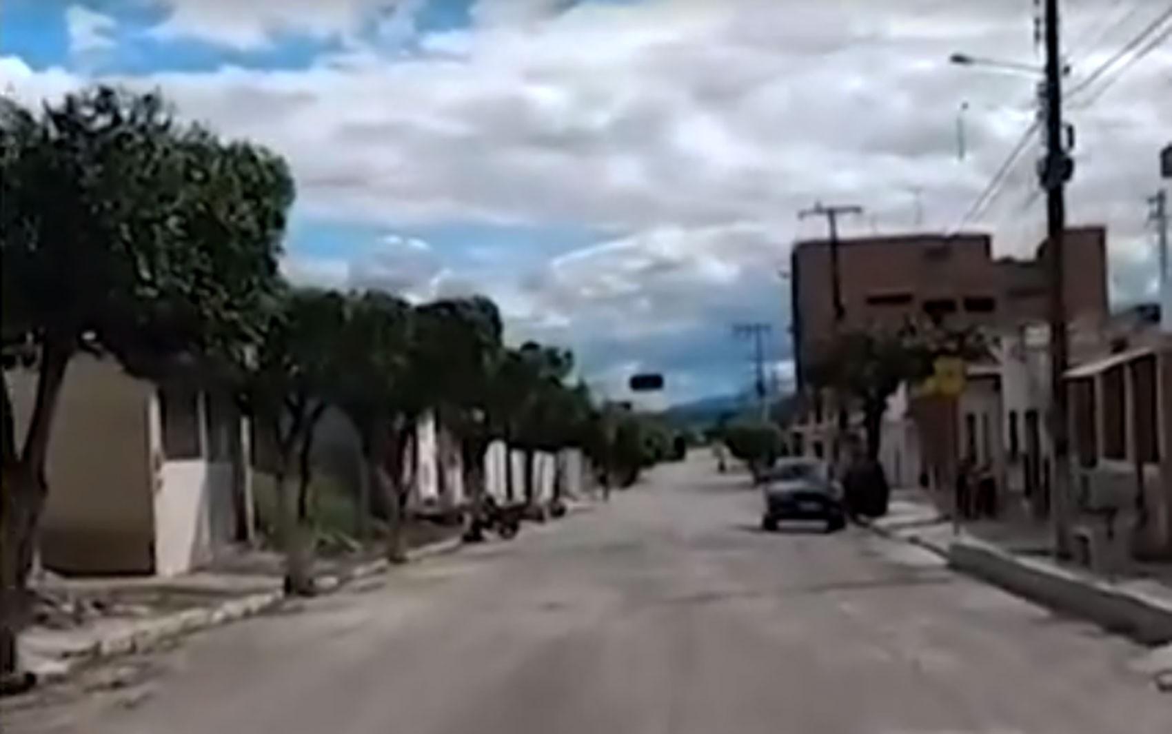 Covid-19: Prefeitura de Cansanção prorroga toque de recolher; confira