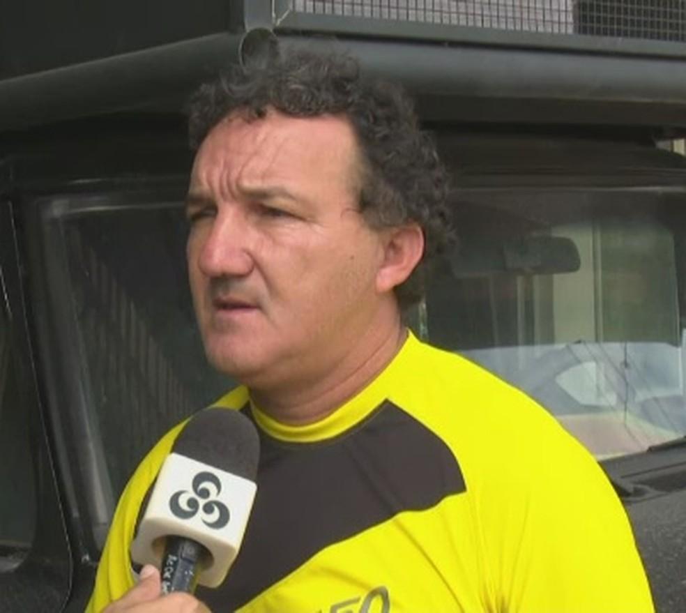 Zacarias Lopes, presidente e treinador do Náuas, lamenta condições do principal palco esportivo de Cruzeiro do Sul (Foto: Reprodução/Rede Amazônica Acre)