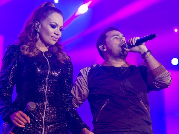 Xand e Solange Almeida comandam noite de forró na Arena de Barretos (Foto: Érico Andrade/G1)