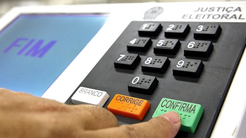 Mais de 400 mil urnas eletrônicas foram usadas nas últimas eleições, em 2014 (Foto: Nelson Jr./TSE)
