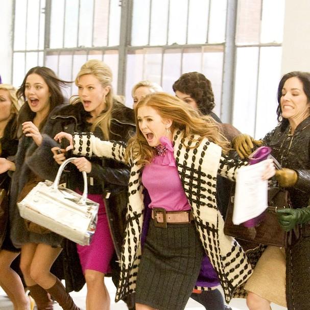 """Cena de """"Delírios de Consumo de Becky Bloom"""" (Foto: Reprodução)"""