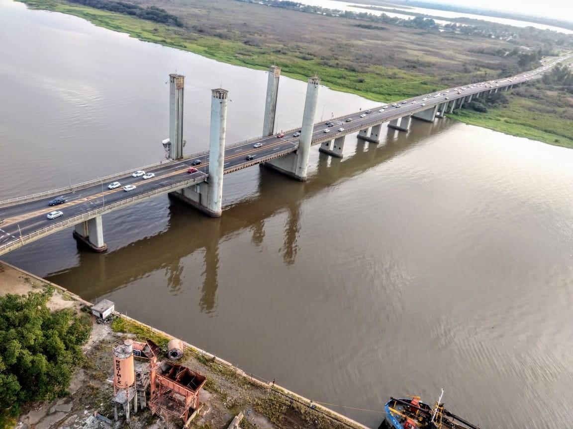 Trânsito na Ponte do Guaíba é liberado Região Metropolitana de Porto Alegre - Notícias - Plantão Diário