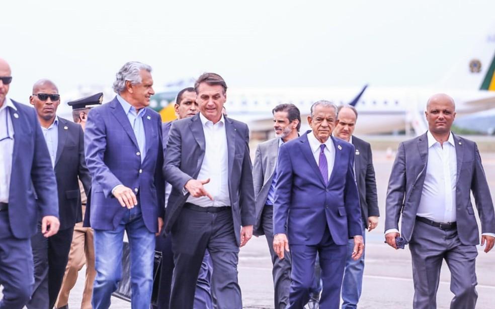 Bolsonaro chega a Goiânia acompanhado de Iris e Caiado  — Foto: Ascom/Governo de Goias