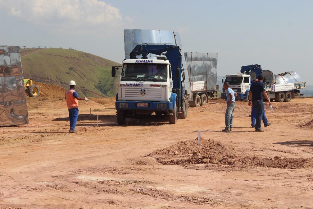 Peças começam a ser transportadas para o parque: essa foi a primeira etapa (Foto: Divulgação/Prefeitura de Aparecida)