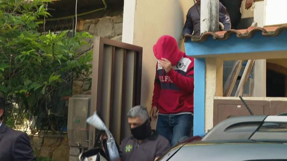 O policial civil Vinícius Lando foi preso na Taquara — Foto: Reprodução/TV Globo