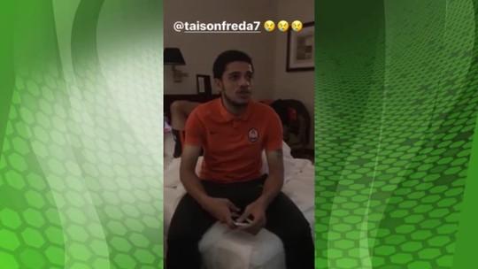 Dentinho e Bernard tiram sarro de Taison, torcedor do Inter; veja o vídeo