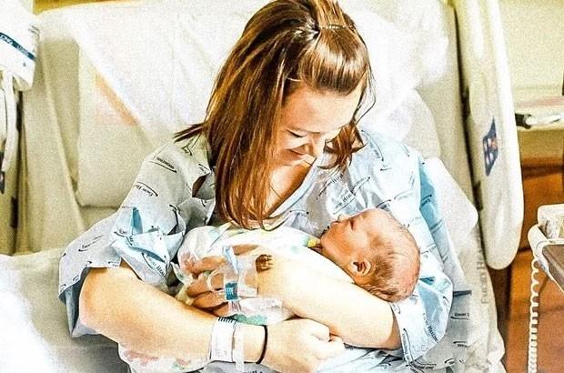 Imagem usada no post de Katie Bower sobre os likes do filho (Foto: Reprodução / Instagram)
