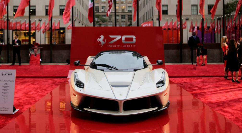 Ferrari celebra os 70 anos em Nova York (Foto: REUTERS/Eduardo Munoz)