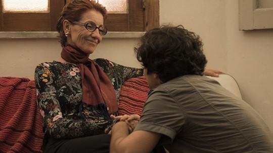 Gabriel Leone exalta trabalho ao lado de Cassia Kis: 'Admiro ela demais'