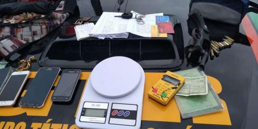 Todo material apreendido foi levado para o 8º Distrito Policial — Foto: Divulgação