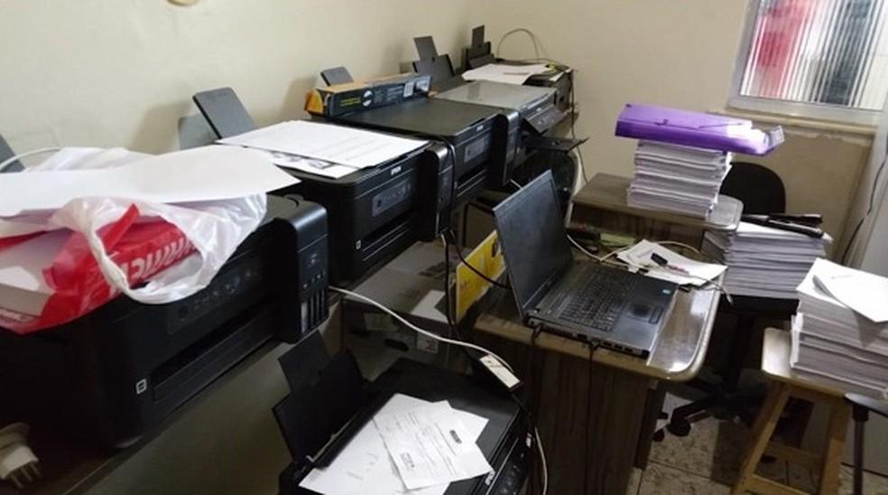 Documentos apreendidos durante operação do MP e Polícia Civil em São Luís — Foto: Divulgação / Polícia Civil