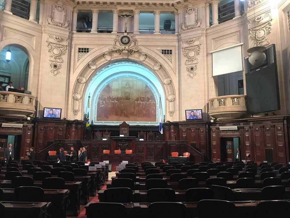 Deputados estaduais tomam posse na Alerj nesta sexta-feira — Foto: Henrique Coelho/G1