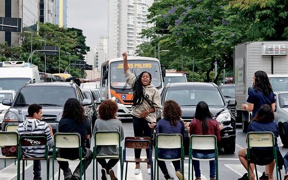 Protesto de estudantes em São Paulo Salas de aula viraram campo de batalha ideológico (Foto: Marlene Bergamo/Folhapress)