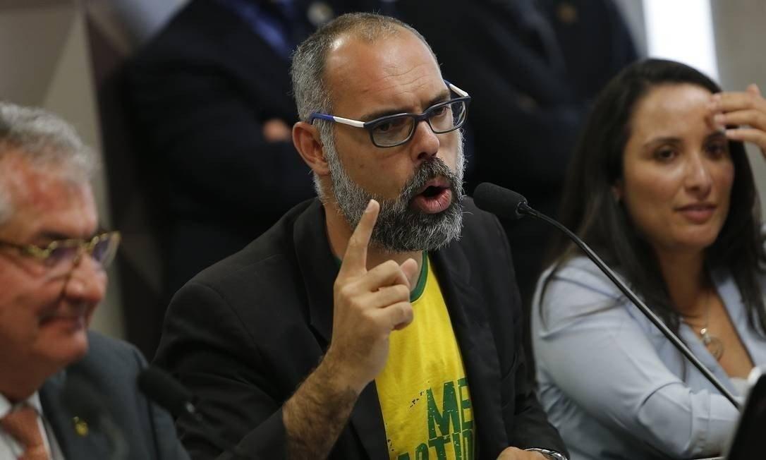 O blogueiro bolsonarista Allan dos Santos em depoimento à CPMI das Fake News