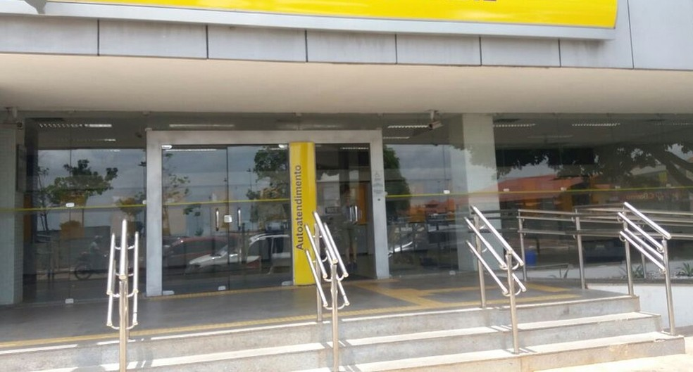 -  Vítima foi assaltada após sacar a alta quantia de banco locaizado no Centro  Foto: Jorge Abreu/G1