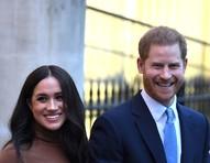Harry e Meghan enviaram foto da filha para grupo de WhatsApp da Família Real, revela jornal