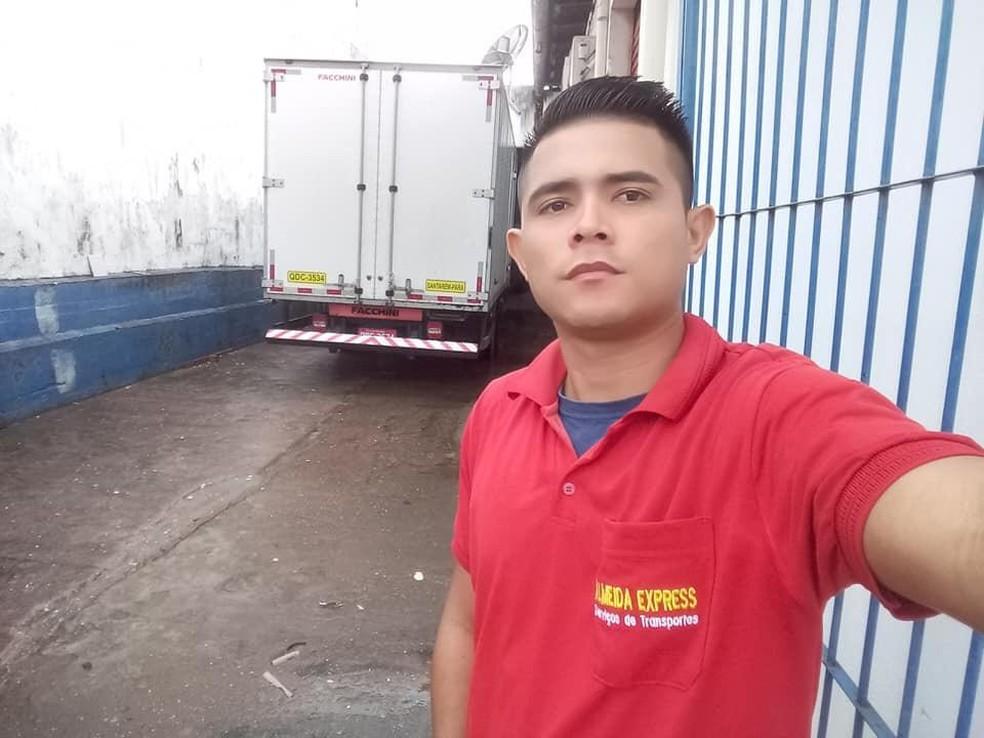Ozias Gama contou que foi abordado por um homem pouco depois de sair de casa para ir ao trabalho — Foto: Reprodução/Redes Sociais