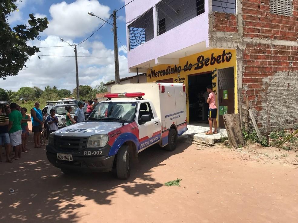 Mercadinho fica na rua São João, no Guajiru, em São Gonçalo do Amarante (Foto: Kleber Teixeira/Inter TV Cabugi)