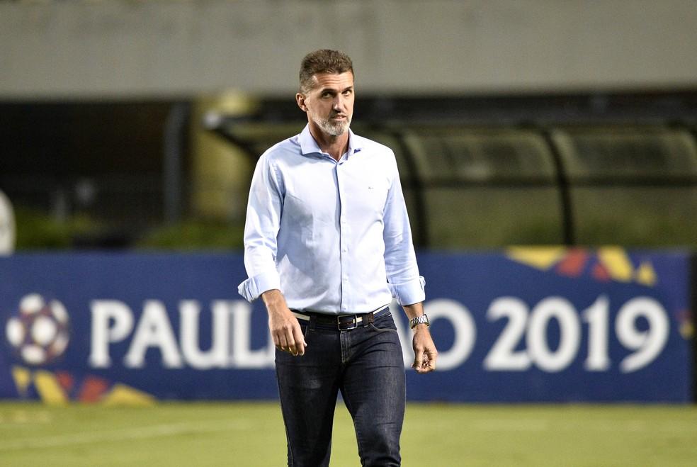 Mancini tem quatro jogos como interino do São Paulo: uma vitória, dois empates e uma derrota — Foto: Marcos Ribolli