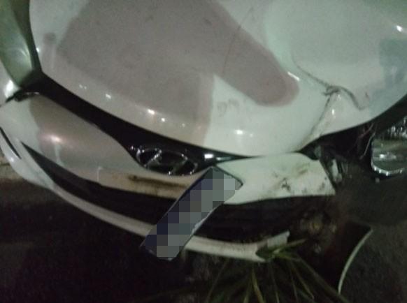 Homens armados abandonam carro na Avenida Paralela; polícia investiga