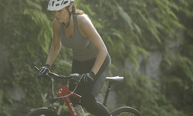 Ana Amélia Fellet treina nas ruas do Humaitá