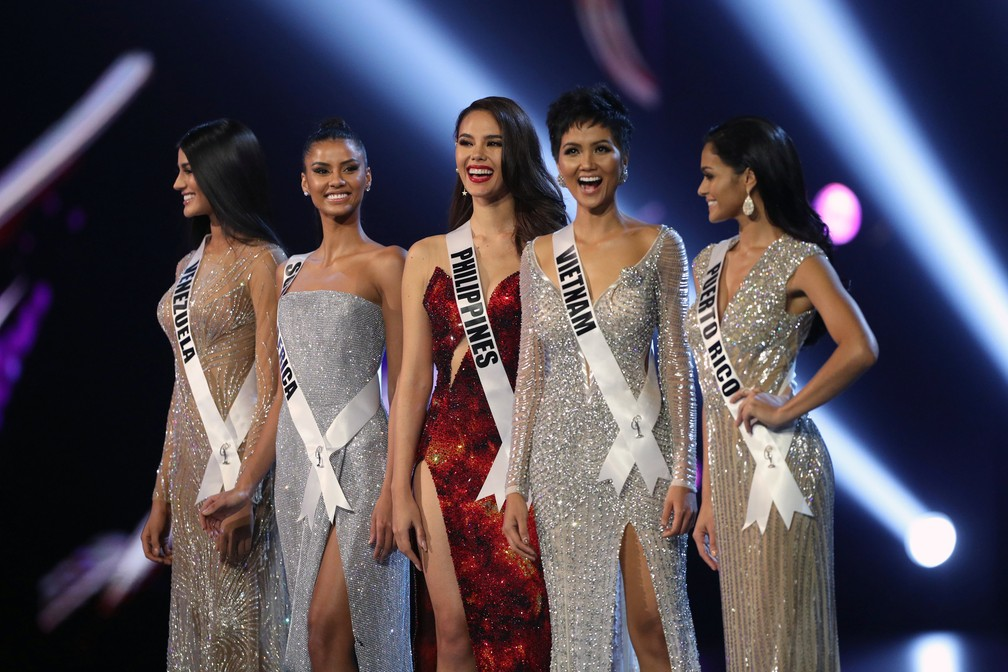 As concorrentes de Venezuela, África do Sul, Filipinas, Vietnã e Porto Rico, as 5 finalistas do Miss Universo 2018 — Foto: Athit Perawongmetha/Reuters
