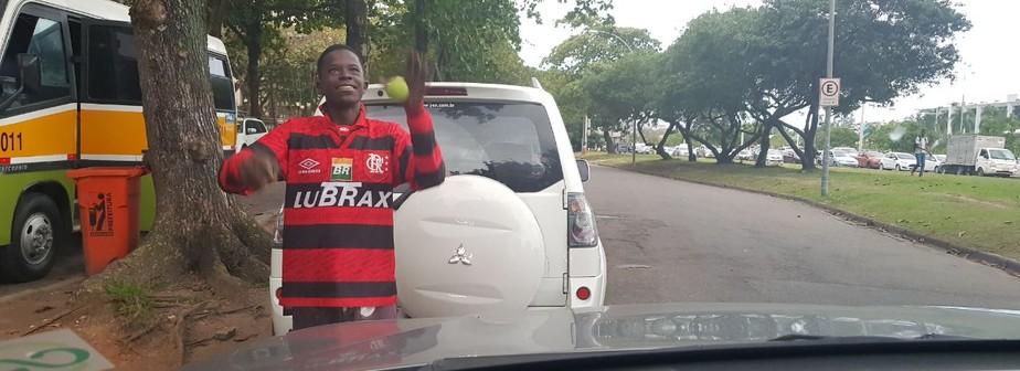 A história do malabarista rubro-negro e o gol mais bonito do destino