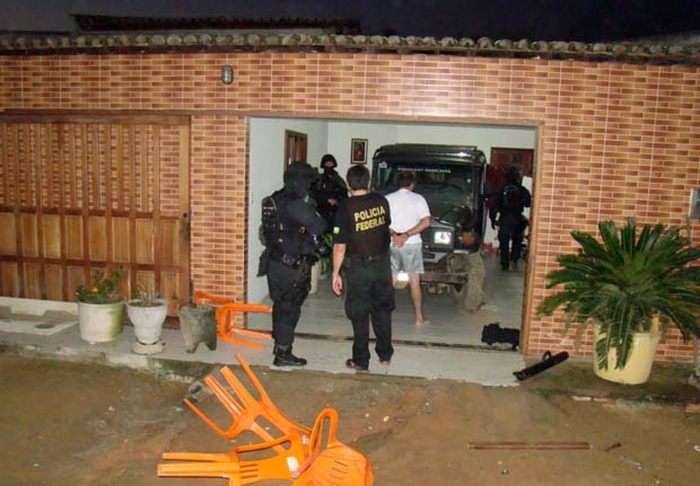 Operação Hecatombe foi deflagrada em 2013, e prendeu PMs suspeitos de participação em um suposto grupo de extermínio (Foto: Divulgação/Polícia Federal do RN)
