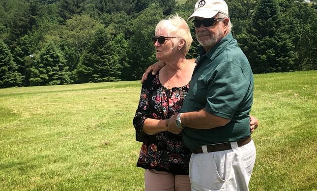 Nick e Bobbi Ercoline, o casal da capa do álbum do festival de Woodstock 50 anos depois