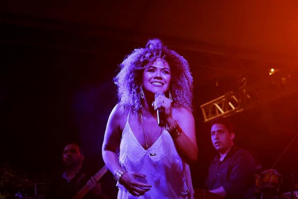 Show 'Deu Jazz', da cantora Ariel Moura, tem releitura de sucessos em Macapá