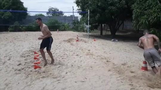 De férias no Piauí, Renê e Romulo têm dia de treino físico; veja vídeo
