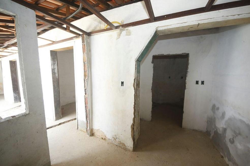 Interior da residência 69 durante o período de reforma — Foto: Divulgação/Manauscult