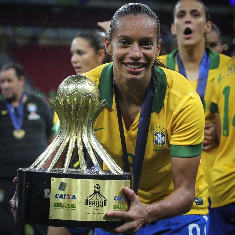 Ex-jogadora Rosana dos Santos teve participação importante na Seleção Brasileira — Foto: Divulgação