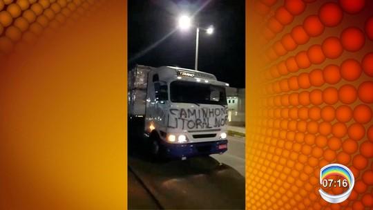 Pelo 3° dia consecutivo, caminhoneiros protestam no trecho do Vale do Paraíba da Dutra