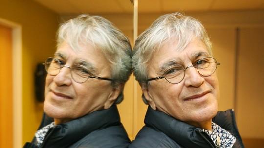 Caetano Veloso completa 74 anos e afirma: 'Eu não tinha talento o suficiente, mas não me dei mal'