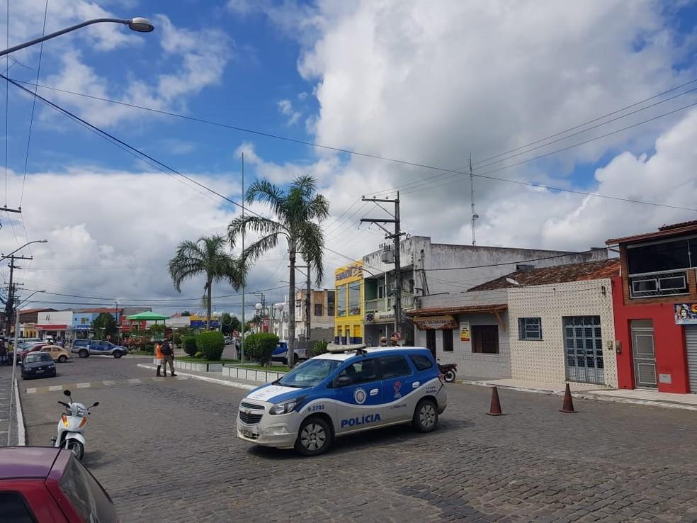 Criminosos tentaram assaltar unidade do Banco do Brasil em Muritiba. — Foto: Fabio Santos/Site Voz da Bahia