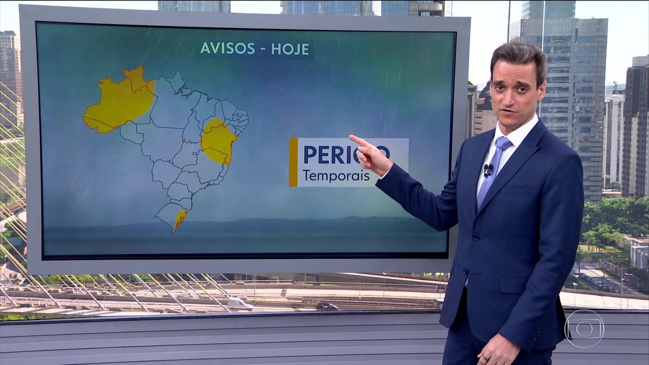 Calor e umidade provocam temporais em três áreas do Brasil