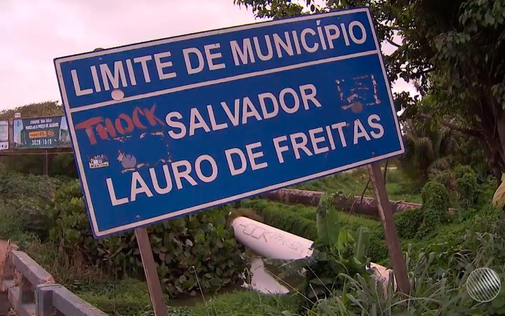 Limite entre Salvador e Lauro de Freitas é alvo de polêmica (Foto: Reprodução/TV Bahia)