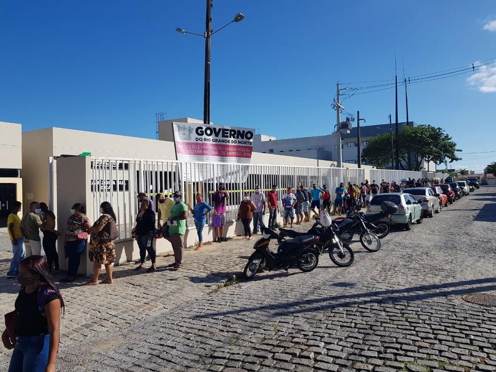 Fila no Sine Matriz em Candelária — Foto: Luiz Gustavo Ribeiro/Inter TV Cabugi