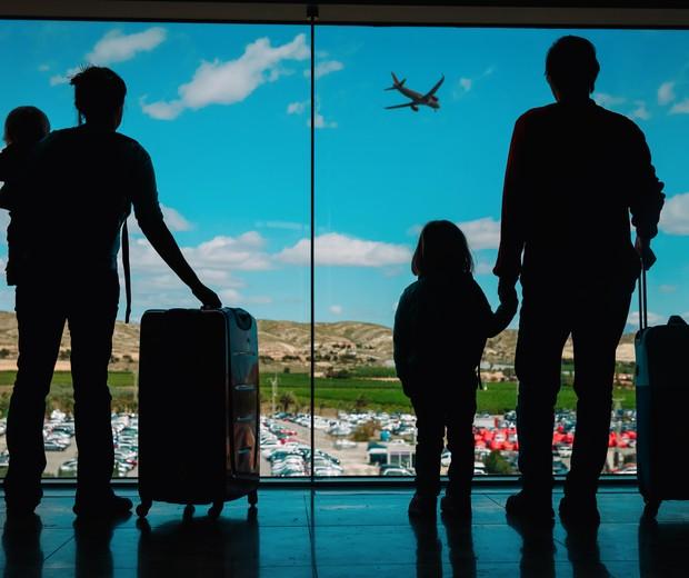 Família no aeroporto (Foto: Thinkstock)