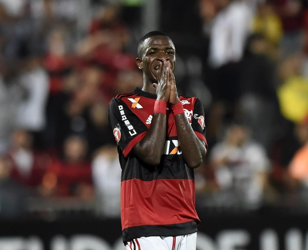 Vinicius Junior vai continuar trabalhando com o Flamengo durante o Mundial Sub-17 (Foto: Andre Durão)