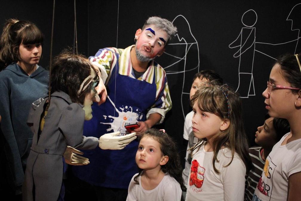 Espaço oferece visitas guiadas que promovem o acesso à arte e à cultura  — Foto: Divulgação/Caixa
