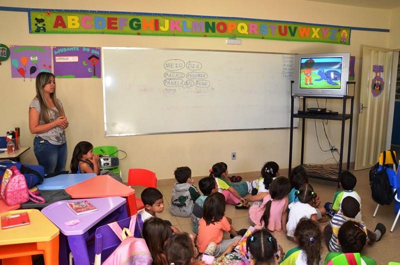 Formiga realiza cadastramento para vagas em escolas de educação infantil