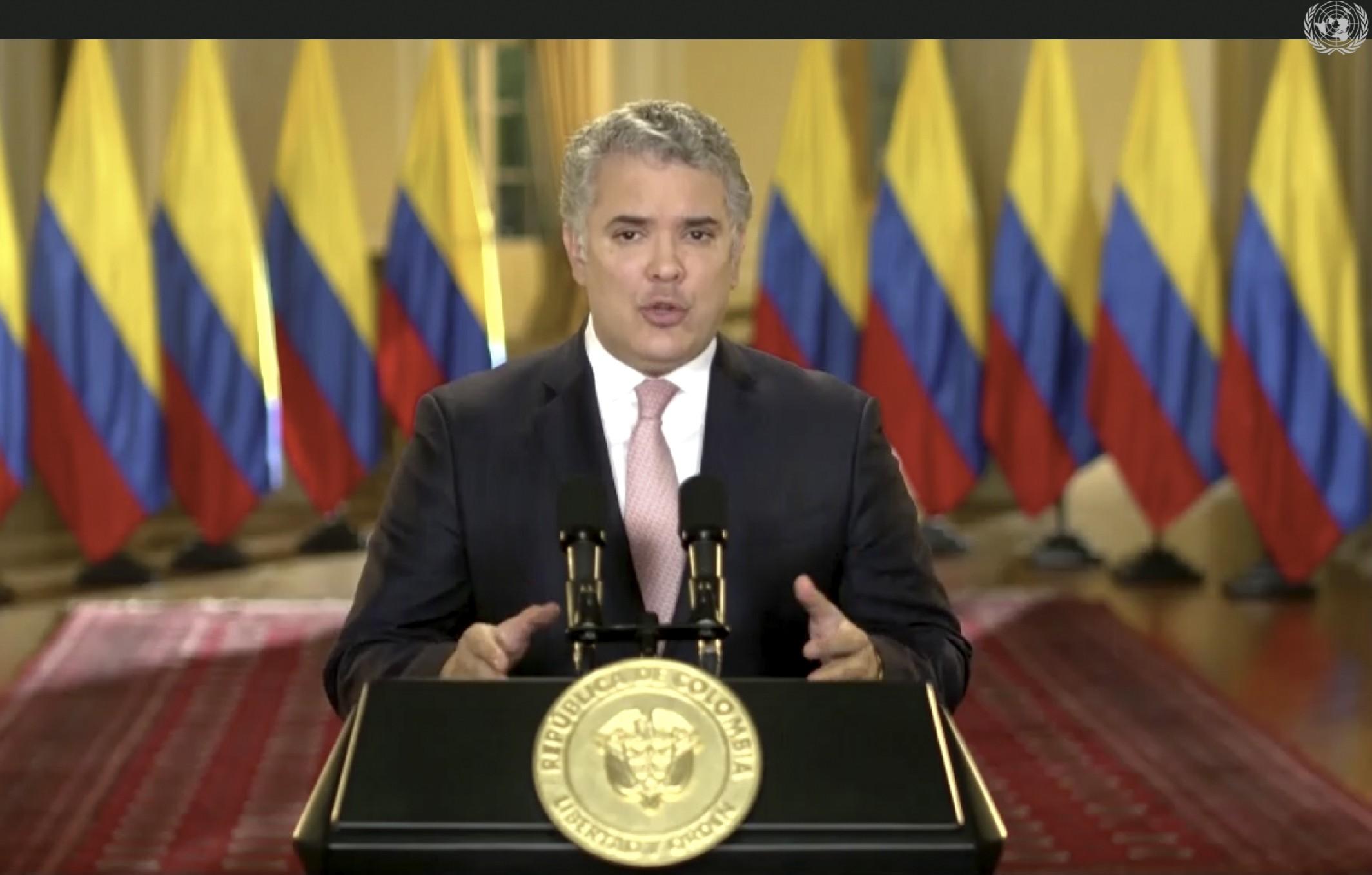Presidente da Colômbia pede repúdio global a eleições na Venezuela boicotadas por oposição a Maduro