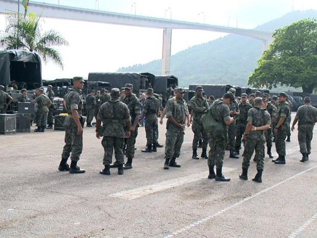 Militares do Exército do Rio de Janeiro chegaram ao Espírito Santo. (Foto: Reprodução/TV Gazeta)