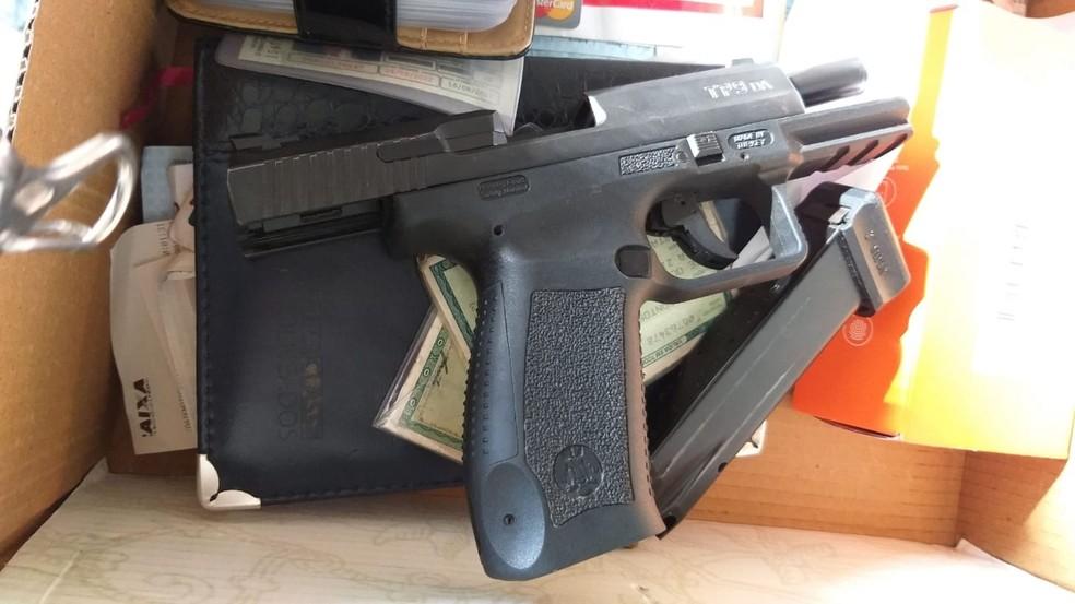 Além das prisões, houve apreensões, incluindo armas.  — Foto: Secretaria de Segurança Pública (SSP-BA)
