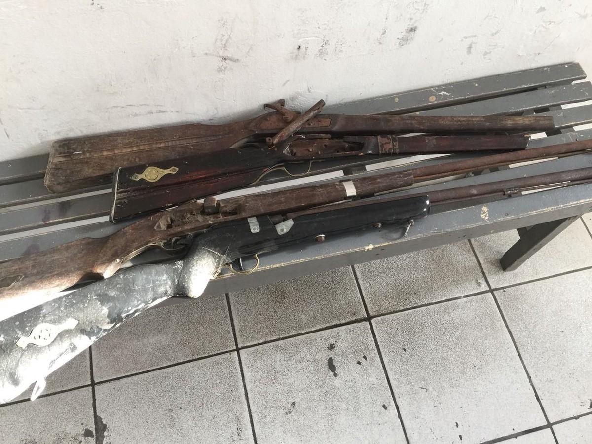 Homem é preso com armas em São Caetano