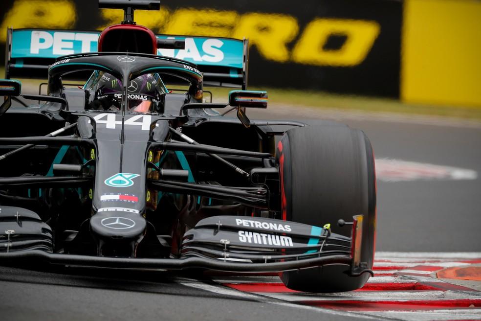 Lewis Hamilton conquistou a 90ª pole position na F1, na Hungria — Foto: Divulgação
