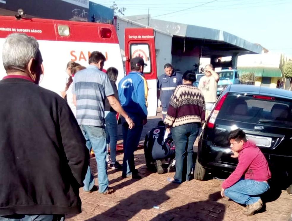 Vítima foi socorrida por uma unidade do Samu e levada para a Santa Casa de Pirajuí — Foto: Arquivo pessoal