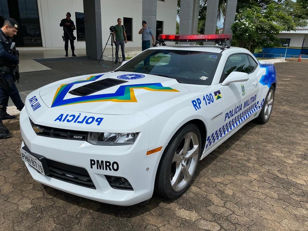 carrro - PM de Rondônia transforma Camaro apreendido em viatura e chama a atenção nas ruas